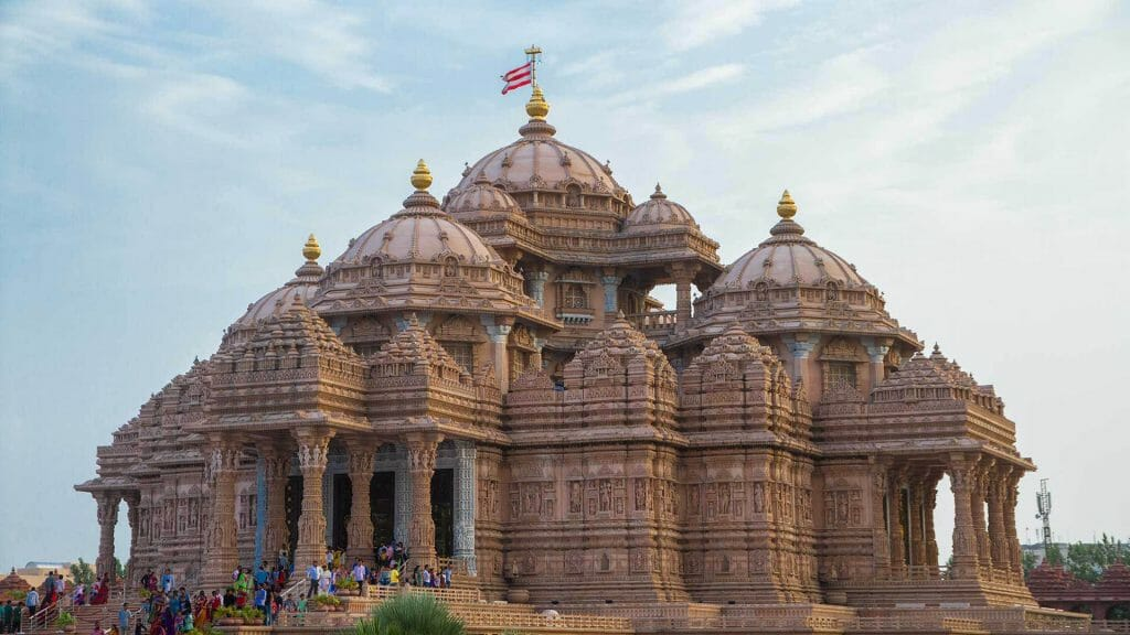 Akshardham Temple Delhi from a side angle during the day
